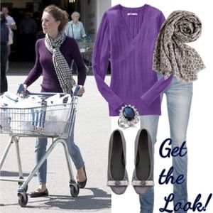 Beautiful Purple Vneck Sweater Ribbed plus stretch