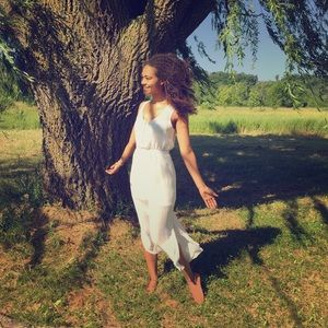 Dresses & Skirts - Ethereal White Dress 🌸🕊