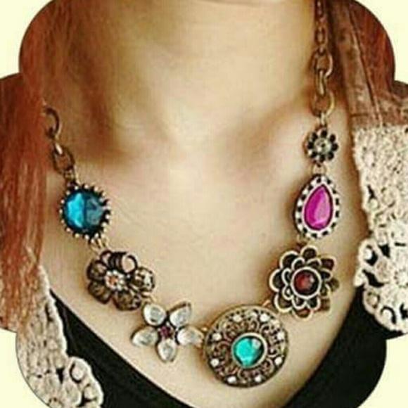 Vintage Accessories - 💟  Crystal Rhinestone  Flowers Choker Bib Collar