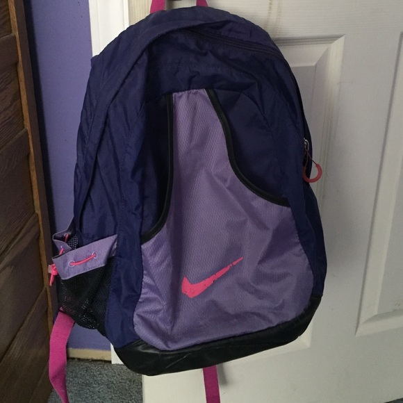 b227cd9171 Used Pink and purple Nike backpack. M 56f30183713fdeaeea03d7ae