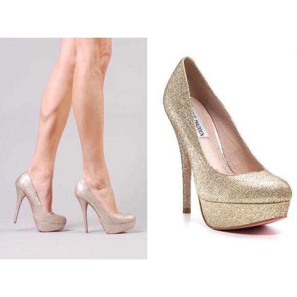 020e7f46d0f Steve Madden Caryssa Gold Glitter Platform Heels. M 56f309664127d09d49000ab6