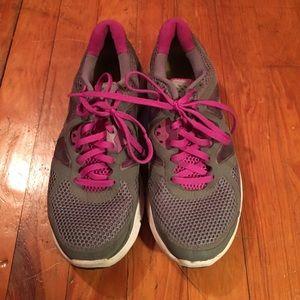 Nike Lunarlon Athletic Shoes