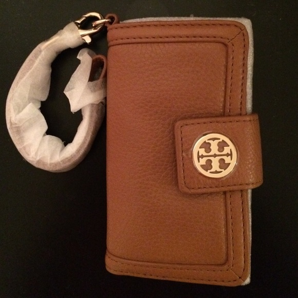 02156bbb8464 Tory Burch iphone wallet (NWT)