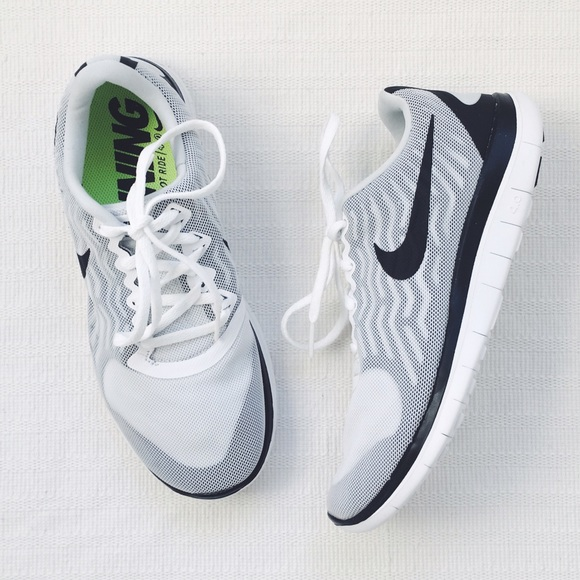 761138ecda021 Nike Free 4.0 V5 Running Shoes