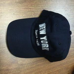 Dark navy blue New York baseball cap