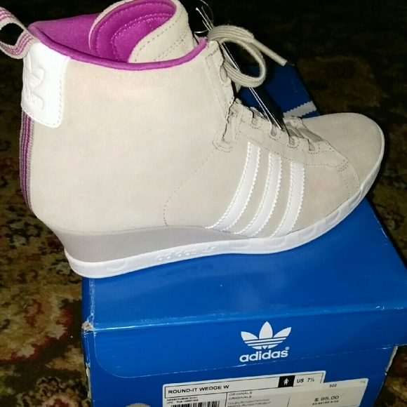 the best attitude 2079d 48acc NWT box 7.5 Adidas grey wedge sneakers.