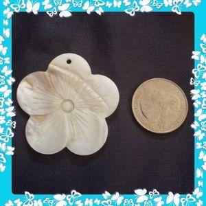 Flower ivory pendant