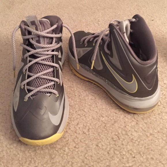 NIKE LEBRON 10 YELLOW DIAMOND SIZE 5 PRICE DROP!!!