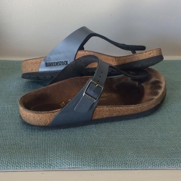 0f8452a7ebd Birkenstock Shoes - Gizeh Birkenstocks in Onyx size 38 8