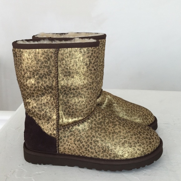 Sign up for new styles from UGG