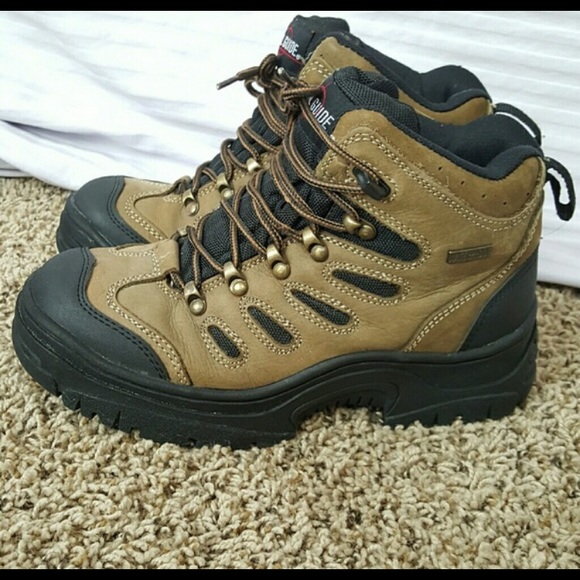 Trail Guide Hiking Boots