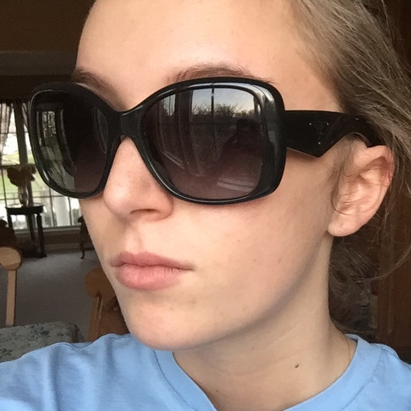 579e58be06e Polarized Prada Sun Glasses. M 56f47517620ff7251000eda4