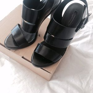 Zara Shoes - Zara Strapy Sandals