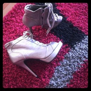 Shoes - Ankle boots 👠👠Worn once