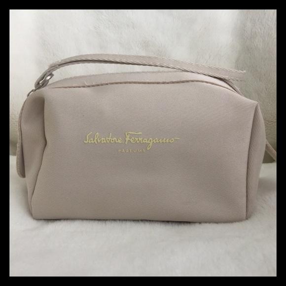 Salvatore Ferragamo Cosmetic Case. M 56f486e499086a7325026404 5e5e858c819d1
