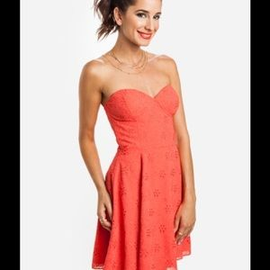 Dolce Vita Dresses & Skirts - 🎉HOST PICK🎉Dolce Vita Singer Coral dress