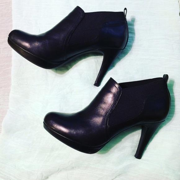 c95421b75cd Adrienne Vittadini Patia Black Leather Bootie