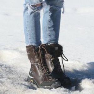 c53db1dc24a ⭐️SALE!! UGG Adirondack Boot II, Size 9