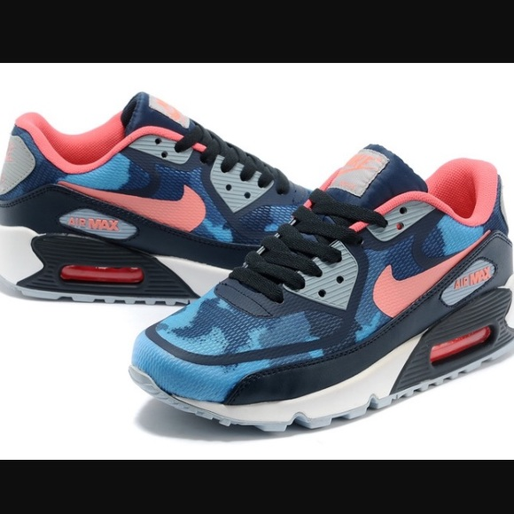 detailed look 2d8a3 f264b Nike Air Max 90 Premium Tape Blue Camo Sneaker. M 56f4ac094225be898b017076