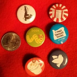 Jewelry - Pins buttons skunk bookworm reading coffee gift