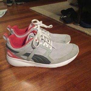 PUMA Arial Sneaker Gray/Coral