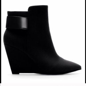 Zara suede pointed toe booties