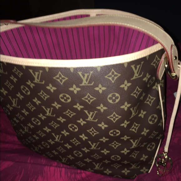 54bf393a0aa1 Louis Vuitton Handbags - Louis Vuitton Delightful MM