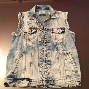 Oversize Distressed Denim Vest