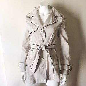Cream Short Trench Coat with Vent, Pockets & Belt