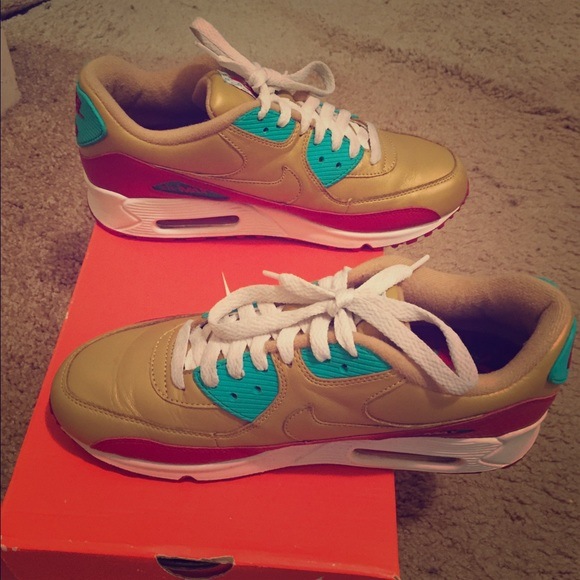 promo code c9c7e b2600 ... Red, Turquoise and White Nike Air Max 90. M 56f5a7db4e95a3be3600c95c