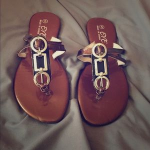 Eve Shoes - Pretty brown flipflops