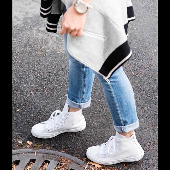 sale retailer e6f59 6327a Converse Shoes - NEED TO GO! All white rubber high top converse
