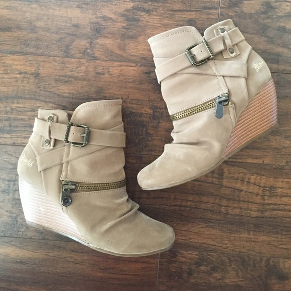 3d44a7b3324d Blowfish Shoes - Size 7.5 Light brown 2 inch heel wedge booties