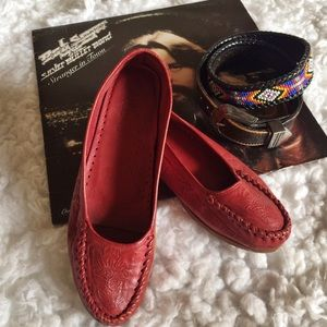 """Hearts on Fire"" Vintage  leather loafer/moccasin"
