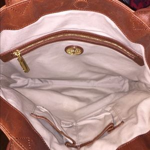 d61f4387212f Tory Burch Bags - ✨✨Tory Burch Jaden wool and leather tote