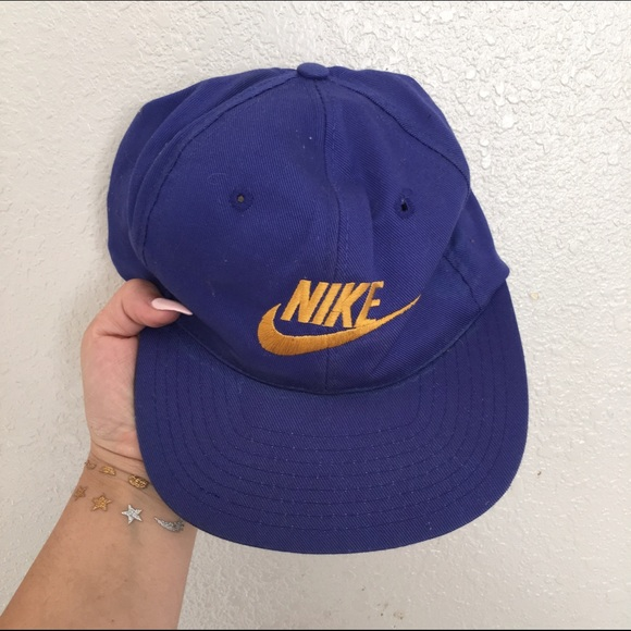 e18567c8365 NIKE VINTAGE CAP HAT BLUE. M 56f5cd80c28456bed300fe89