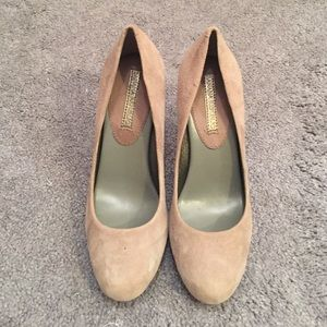 Suede banana republic pumps
