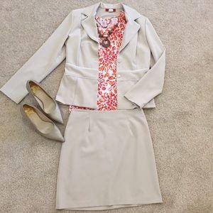 Alyn Paige Dresses & Skirts - Alyn Paige 2-piece suit