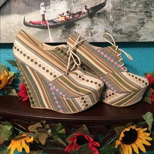 Shoes - Vintage booties wedges
