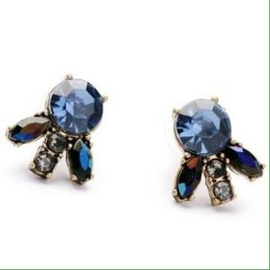 Jewelry - Beautiful blue crystal stud earrings