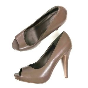 Taupe / Grey peep toe heels with hidden platform