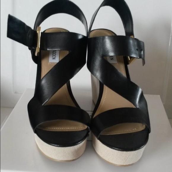 f58bf78468c2 Steve Madden Eliee Black Platform Wedge Sandals 10