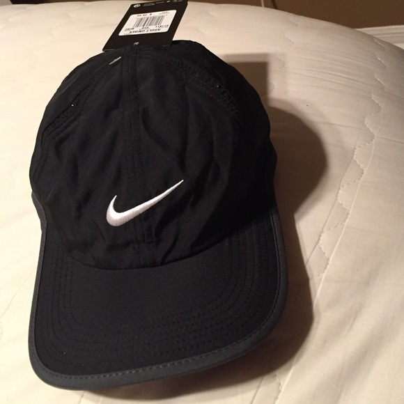 432f10ceba3 Black adult tennis hat featherlight Dri-Fit