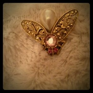 Jewelry - Bee pin