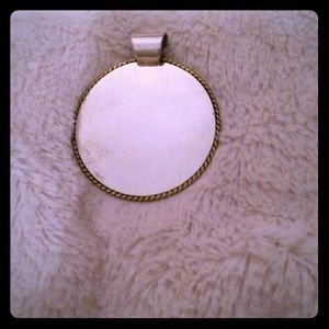 Jewelry - Silver pendant you engrave