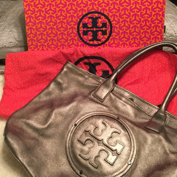 ae5e647bfc8 Tory Burch Handbags - Large Silver Grey Authentic Tory Burch bag