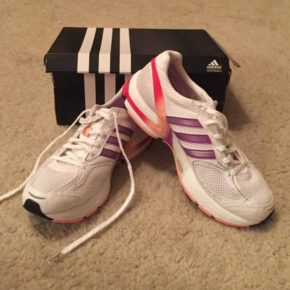 299e6432b Brand New Women s Adidas Running Shoes Size 6 1 2