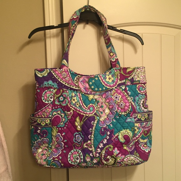 595b1c836e Vera Bradley Pleated Tote in  Heather  print. M 56f68362f0137d37bd057fe1