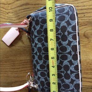 Handbags - Extra pics Coach