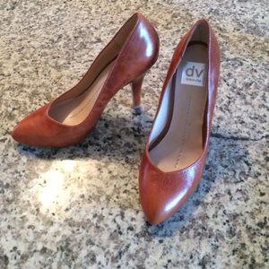 Dolce Vita & Womenu0027s Running Shoe Wide Toe Box Narrow Heel on Poshmark Aboutintivar.Com